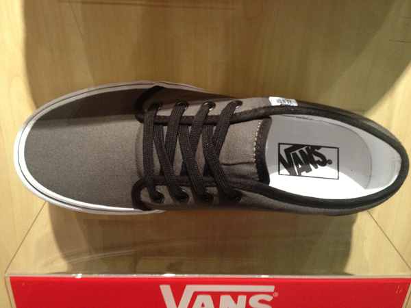 "VANS ""106 Vulcanized - Pewter/Black"" : Price 1650.-"