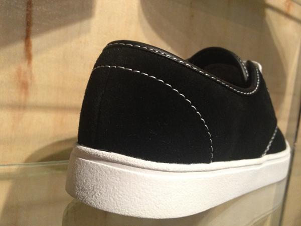 """Emerica : """"Laced – Black/White"""" : Price 2400.-"""