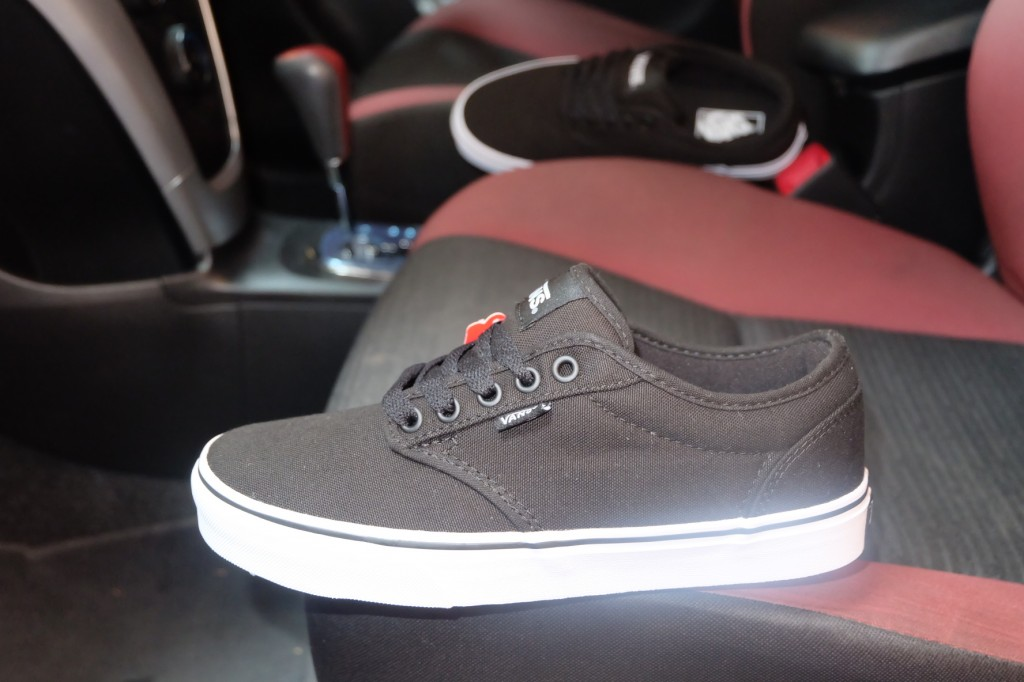"VANS ""Atwood (Canvas) - Black/White"" : Price 1,950.-"