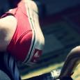 """แน่นอนครับชีวิตประจำวันของเรานั้นจำเป็นที่จะต้องสวมใส่รองเท้ากันทุกคน และไอ้เจ้ารองเท้าที่เราต้องสวมใส่พามันเดินเหินติดกายเราไปทุกหนทุกแห่งด้วยนี้ …จัดได้ว่าเป็นปัจจัย4ที่อยู่ในหมวดเครื่องนุ่งห่มที่คนทุกคนบนโลกนี้จะขาดมันไม่ได้!กันเลยทีเดียว และแน่นอนครับว่ายุคนี้เป็นยุคแห่งแฟชั่น เป็นยุคแห่งความแตกต่างซึ่งเปลี่ยนผันไปตามกาลเวลา คนเราทุกคนย่อมต้องการความแตก ความเป็นตัวของตัวเอง ความDiffer เพื่อสร้างเอกลักษณ์และจุดเด่นให้กับตัวเอง และที่สำคัญนั้นก็เพื่อเพิ่มความน่าสนใจและดึงดูดสายตาผู้อื่นให้หันมาจับจ้องมองเรานั่นเองครับ  และวันนี้ผมก็จะมาแจงเหตุผลปนสาระอธิบายสาวก """"Off The Wall"""" ทุกคนว่า …ทำไมเราจึงต้องใส่ Vans ล่ะ? เหตุผลอันดับแรกๆที่เราควรจะเลือกสวมใส่รองเท้า Vans นั่นก็คือ ความน่าเชื่อถือที่ได้รับการยอมรับจากผู้คนทั่วโลกนั่นเองครับ รองเท้า Vans ถือกำเนิดเกิดขึ้นในปีค.ศ. 1966 ซึ่งนับตั้งแต่วันนั้นจนถึงวันนี้ เจ้ารองเท้า Vans […]"""