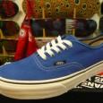"Vans:Authentic(Suede) – Classic Blue/True White *Suede เป็นรุ่นระดับ Pro Premium นะครับ ตัวรองเท้าและ Insole ด้านในจะนุ่มมากๆครับ สี: พื้นฟ้าลายขาว ราคา: 2390.- ค่าส่ง: ฟรี! Most Sky Blury! With The VANS ""Authentic(Suede) –Classic Blue"" :Price […]"