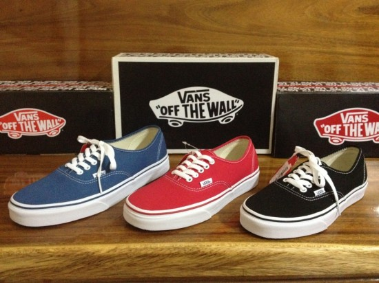 VANS Authentic - Navy : 1580.-