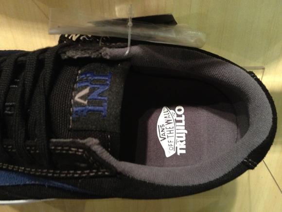 VANS TNT 5 [Tony Trujillo Signature] - Black/Indigo : 3350.-