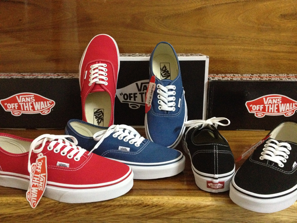VANS Authentic : 1580.-