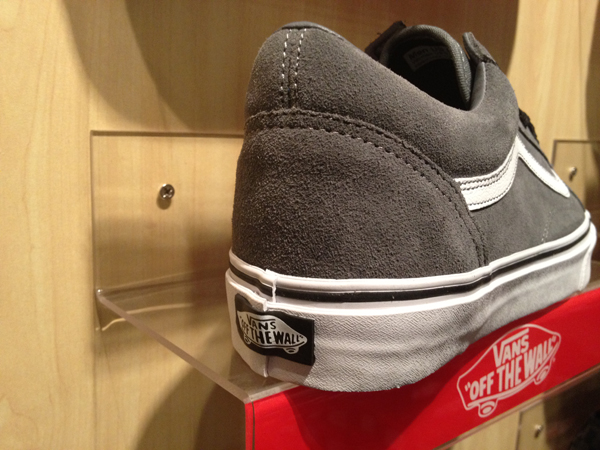 "VANS ""Old Skool (SUEDE) - Steel Grey/True White"" : Price 2800.-"