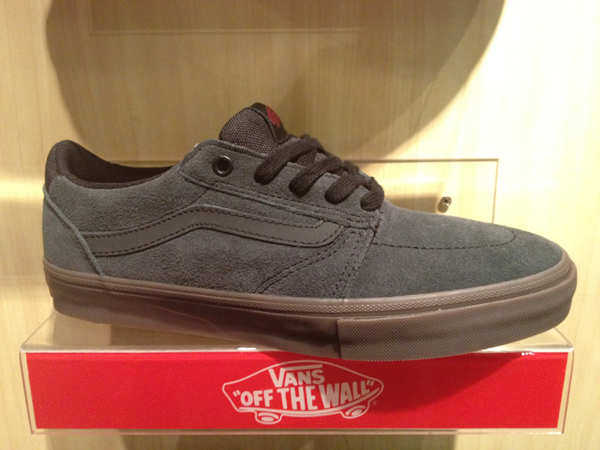 "VANS ""Lindero - Dark Grey/Gum"" : Price 2500.-"