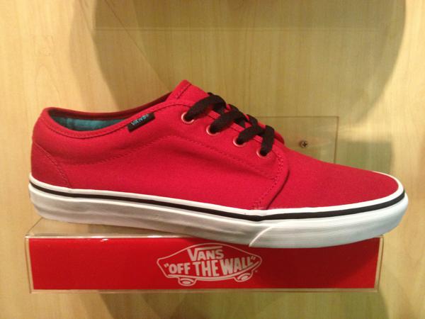 "Vans ""106 Vulcanized - Chili Pepper Red/Black"" : Price 1650.-"