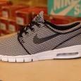"Nike :(Air) Stefan Janoski Max –Black/Black-White สี: พื้นดำลายดำ/ขาว ราคา: 4,290.- ค่าส่ง: 100.- [EMS : 1-2 วันของถึงบ้านเลยครับ] รวม: 4,390.- Most Softly! With TheNike ""(Air) Stefan Janoski Max –Black/Black-White"" :Price 4,290.- […]"