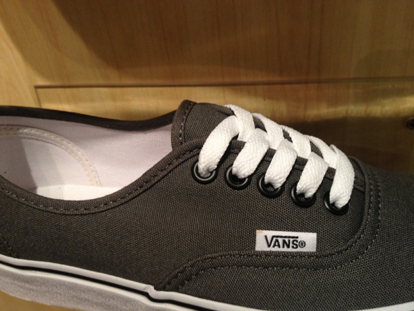 "VANS ""Authentic - Pewter"" : Price 1580.-"