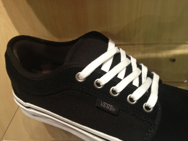 "VANS ""Chukka (low) - Black/White"" : Price 2100.-"