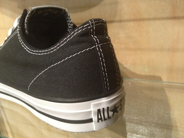 "CONS ""CTS OX – Black/White"" : Price 2400.-"