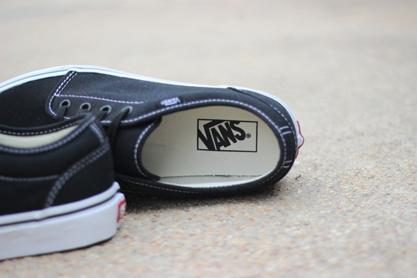 VANS 106 Vulcanized - Black/White : 1750.-