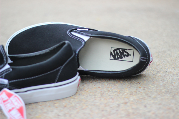 "VANS ""Slip On - Black"" : 1680.-"