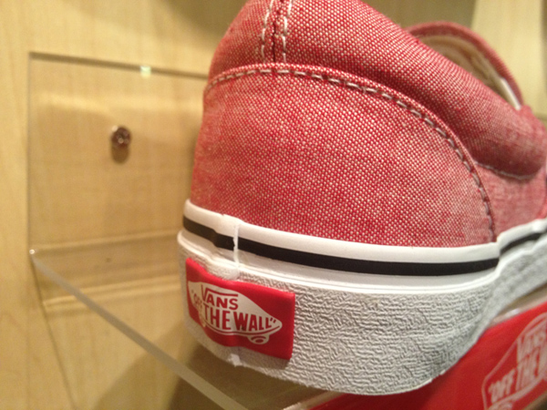 "VANS ""Slip On (Classic Chambray) - Chili Pepper"" : Price 2300.-"