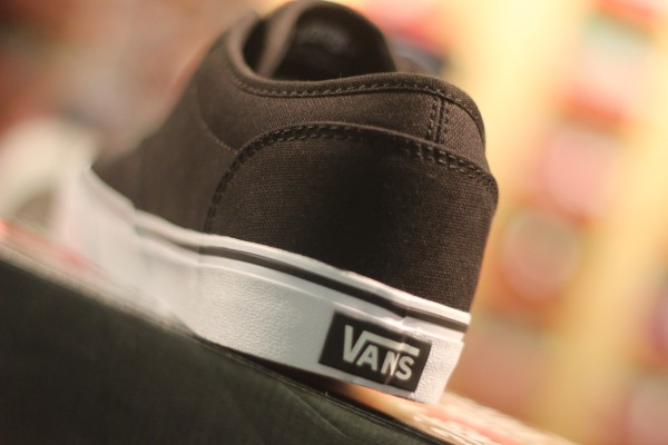 "VANS ""Atwood (Canvas) - Black/White"" : Price 1950.-"