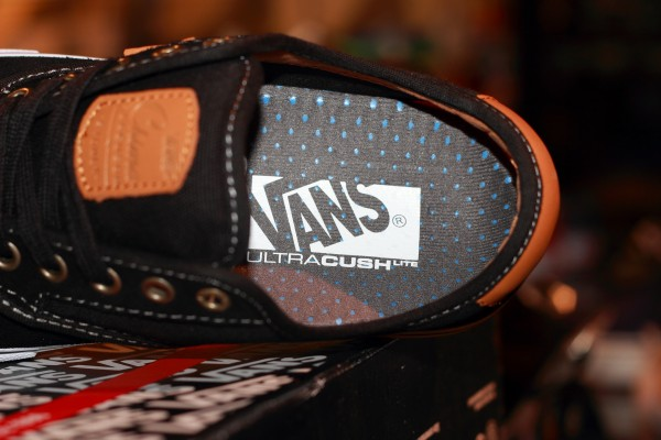 "VANS ""Chima Ferguson PRO – Black/White/Tan"" : Price 3100.-"