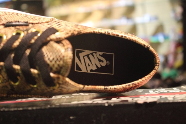"""VANS """"Authentic - (Snake) Gold"""" [Limited Edition!] : Price 2200.-"""