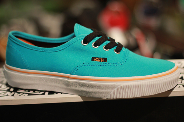 "VANS ""Authentic (Pop) - Blue Atoll/Autumn Glory"" (Seasoning Item!) : Price 1880.-"