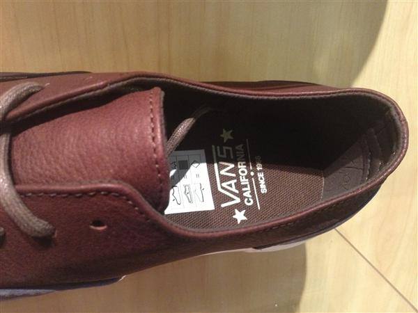 "VANS ""Era Decon CA – (2 Tone) Blue/Chocolate Brown"" : Price 3490.-"