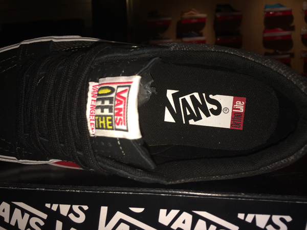 "VANS ""AV Native American Low - (Python) Black"" : Price 3100.-"