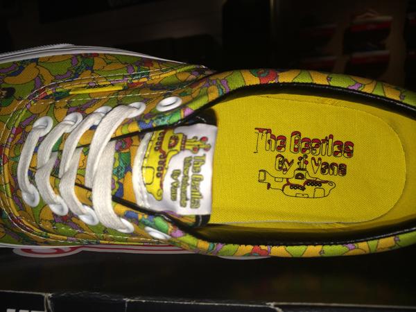 """VANS """"Era (The Beatles) – Garden/True White"""" [Yellow Submarine Signature] : Price 3400.-"""