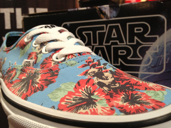"Vans ""authentic – (star wars) yoda aloha"" : price 2800"