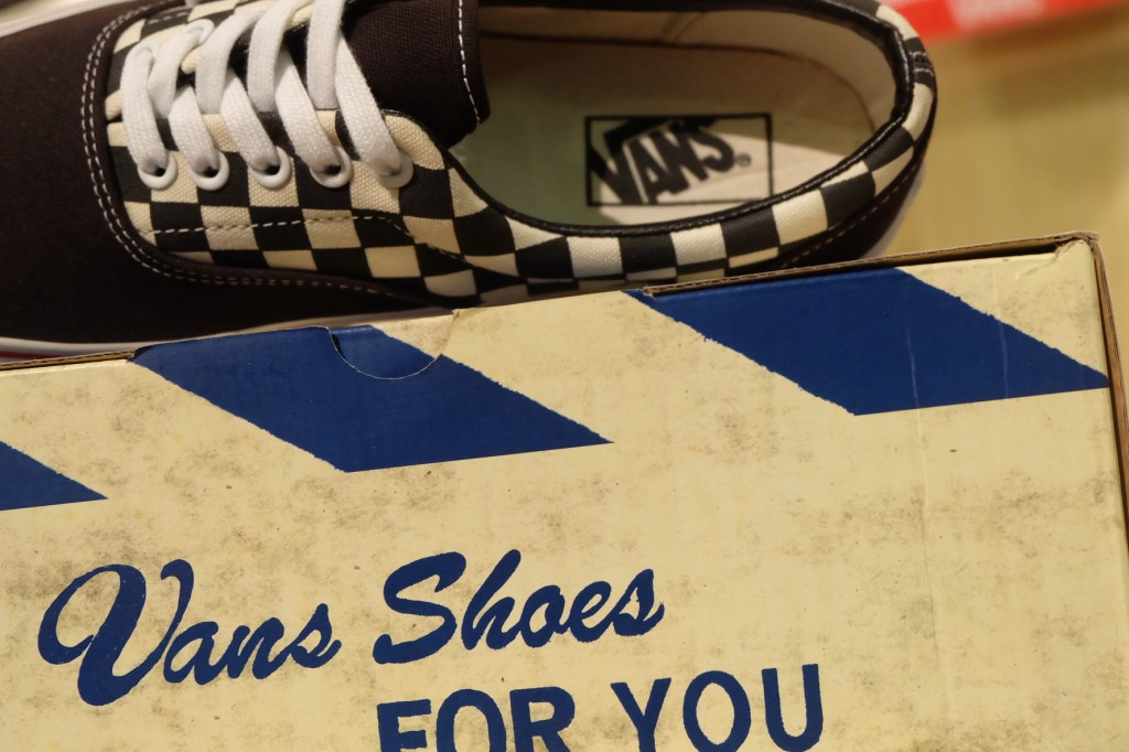 """VANS """"Era - (VAN Doren) Black/Checker"""" : Price 2500.-"""
