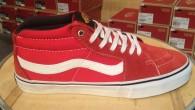 "Vans:SK8-Mid PRO – x (Black Label) Red สี: พื้นแดงลายขาว/Black Label ราคา: 3290.- ค่าส่ง: 100.- [EMS : 1-2 วันของถึงบ้านเลยครับ] รวม: 3390.- Most Walker! With The VANS ""SK8-Mid PRO –x(Black Label)Red"" […]"