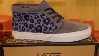"""Vans :Chukka Boot CA – (Leopard Camo) Ombre Blue สี: พื้นฟ้าม่วงลายพรางเสือดาว ราคา: 3290.- ค่าส่ง: 100.- [EMS : 1-2 วันของถึงบ้านเลยครับ] รวม: 3390.- Most Eltron! With The VANS""""Chukka Boot CA – […]"""