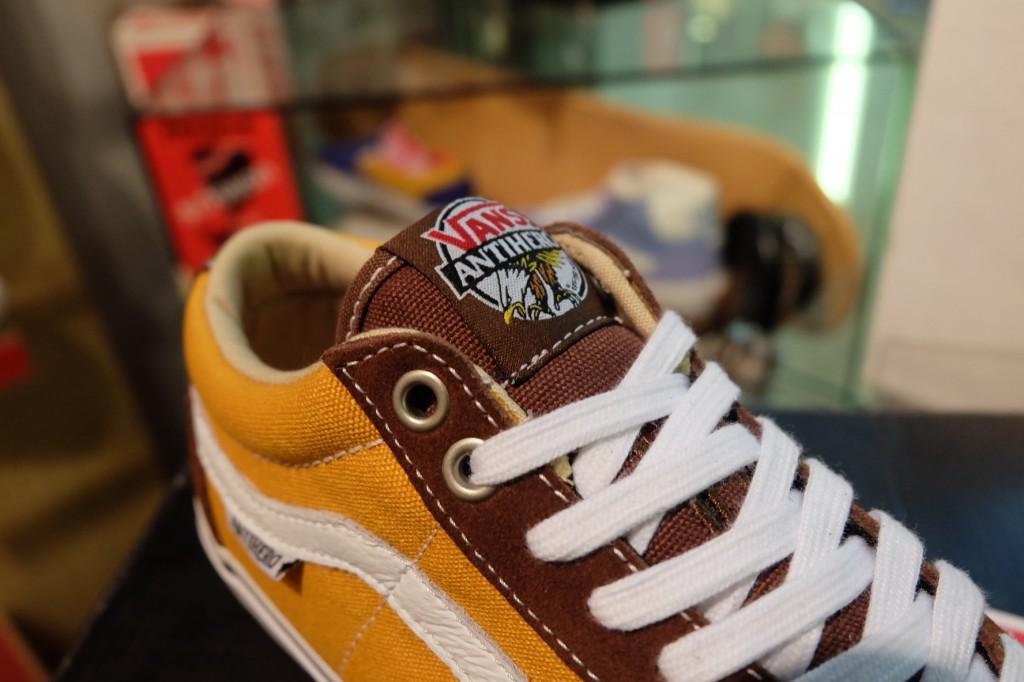 """รองเท้า VANS """"TNT SG – (Anti Hero) Brown/Trujillo"""" : Price 3,690.-"""
