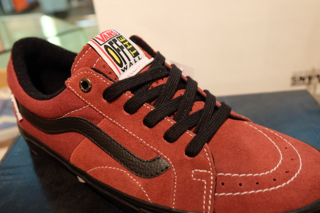 "รองเท้า VANS ""AV Native American Low - Brick/Black"" : Price 3,150.-"