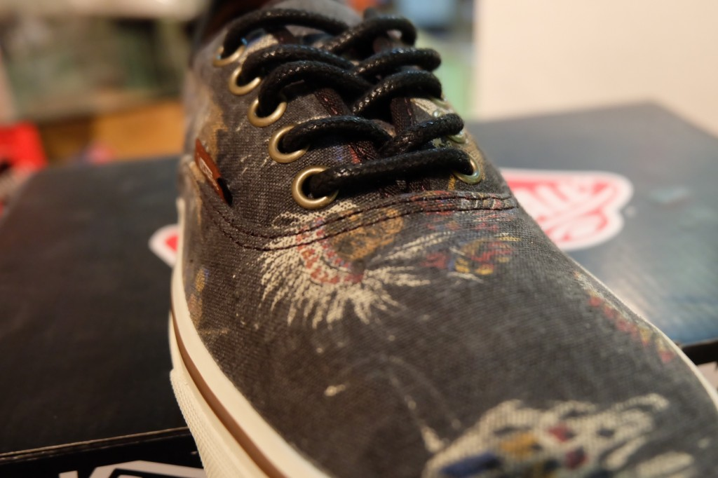 "รองเท้า VANS ""Authentic - (Tribal Leaders) Black"" : Price 2,350.-"