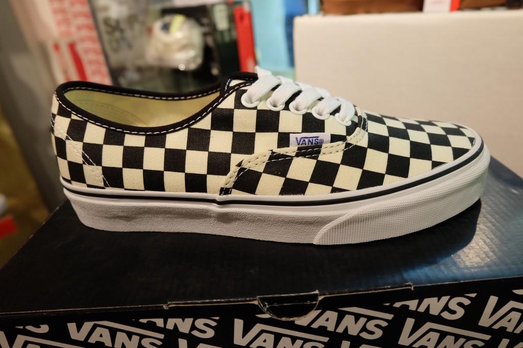 """รองเท้า VANS """"Authentic - (Golden Coast) Black/White Checker"""" : Price 1.950.-"""