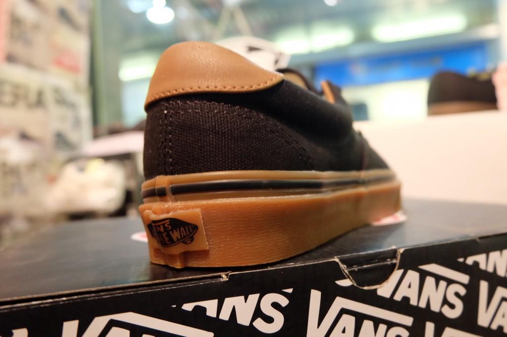 """รองเท้า VANS """"Era 59 - (C&L) Black/Classic Gum"""" : Price 2,400.-"""