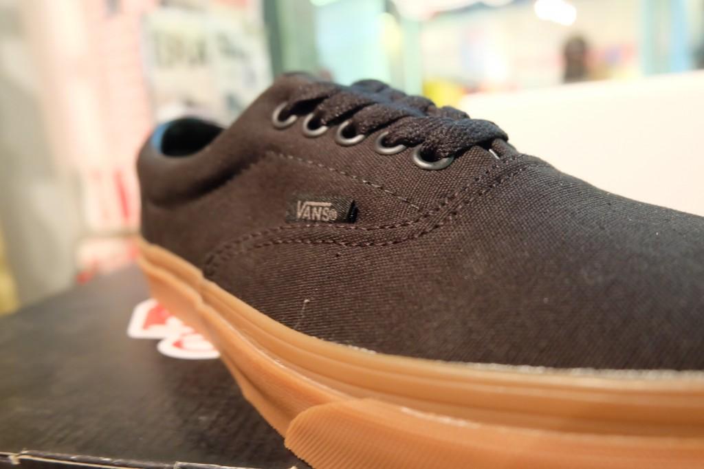 """รองเท้า VANS """"Era - Black/Classic Gum"""" : Price 2,100.-"""