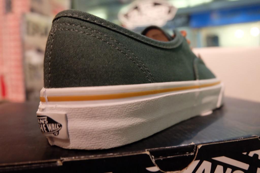 """รองเท้า VANS """"Authentic - Garden Toplary/Tortoise Shell"""" : Price 1,950.-"""