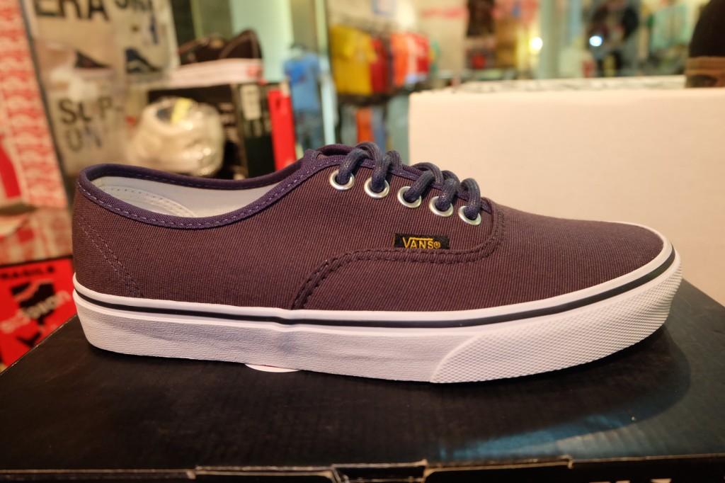 """รองเท้า VANS """"Authentic - (Surplus) Dress Blue/Blue Graphite"""" : Price 2,500"""