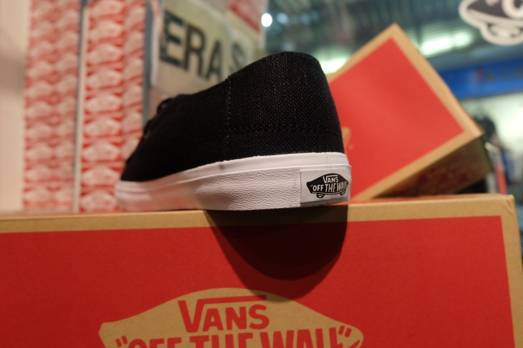 """รองเท้า VANS """"Rata Vulc SF - (Hemp) Black/Rasta"""" : Price 2,200.-"""