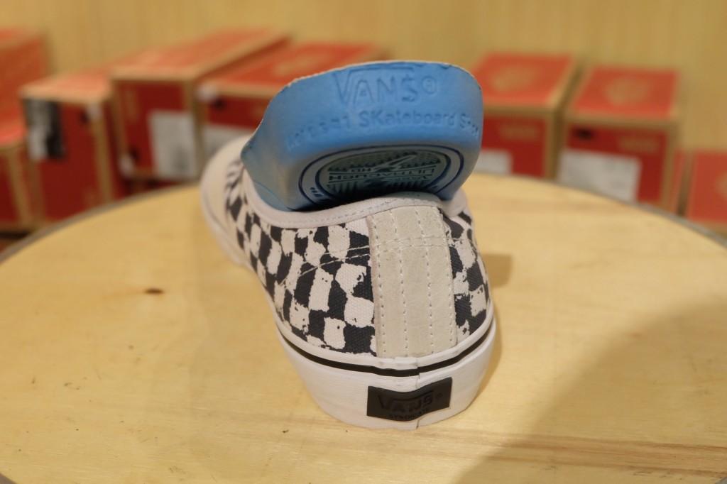 """รองเท้า VANS SYNDICATE """"Authentic PRO """"S"""" – (Harmony Korine) White"""" : Price 5,400.-"""