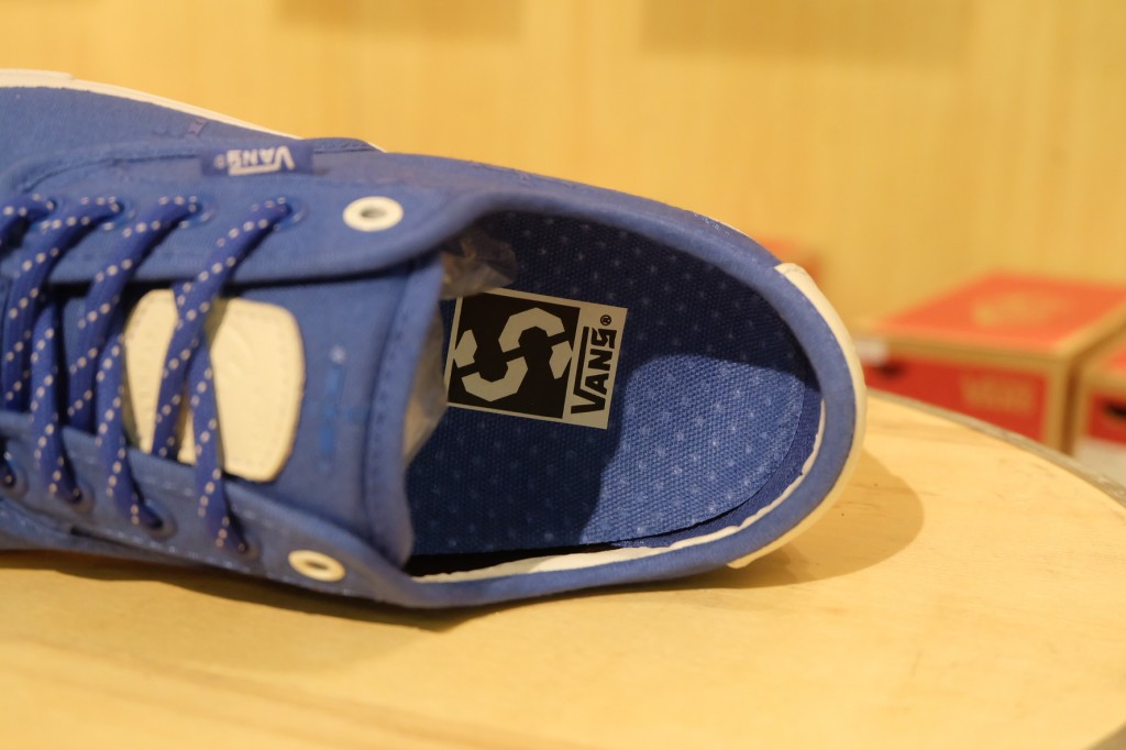 "รองเท้า VANS SYNDICATE ""Chima Ferguson ""S"" - (Supply) Blue"" : Price 4,900.-"