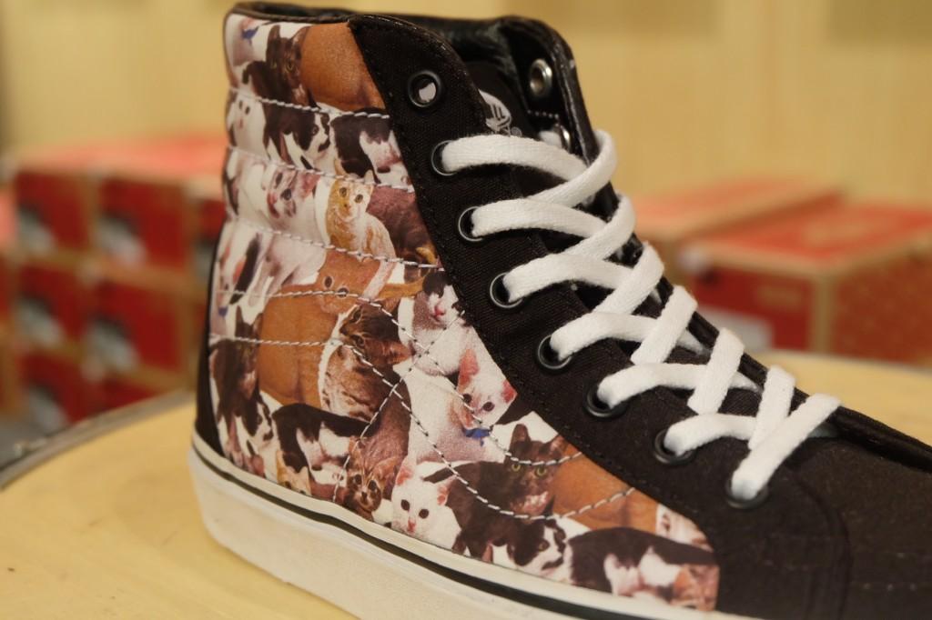 """รองเท้า VANS """"SK8-Hi Slim x ASPCA Kittens"""" : Price 3,600.-"""