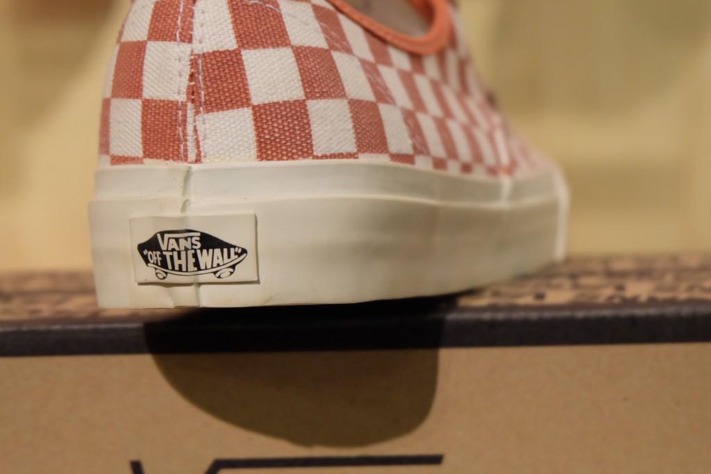 """รองเท้า VANS """"Authentic CA – (Checker) Mango/White"""" : Price 3,600.-"""