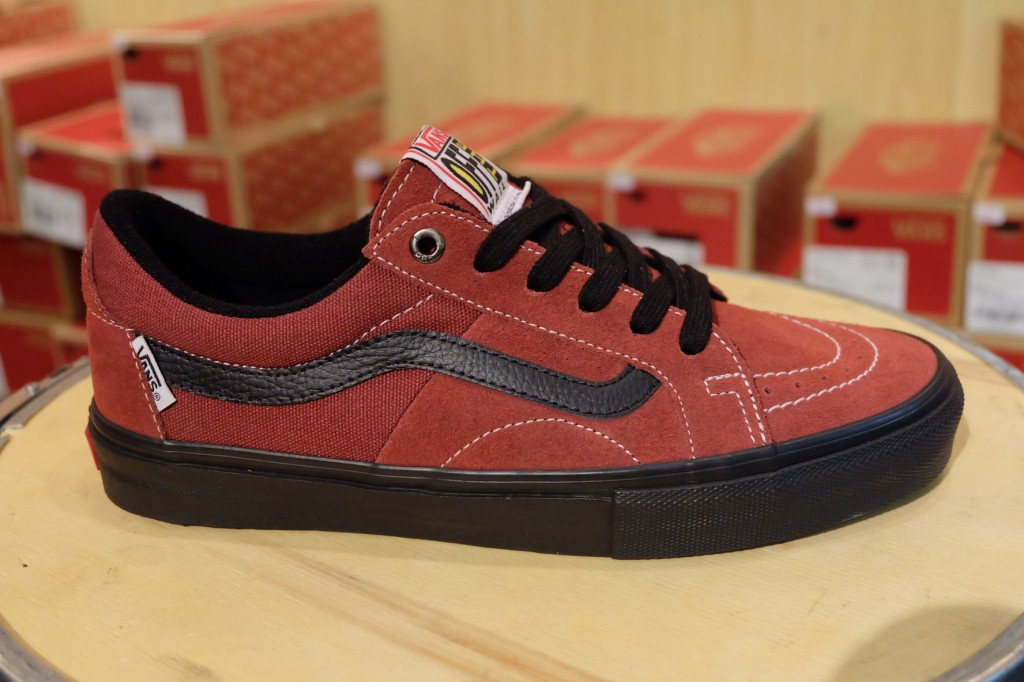 "รองเท้า VANS ""AV Native American Low – Brick/Black"" : Price 3,150.-"