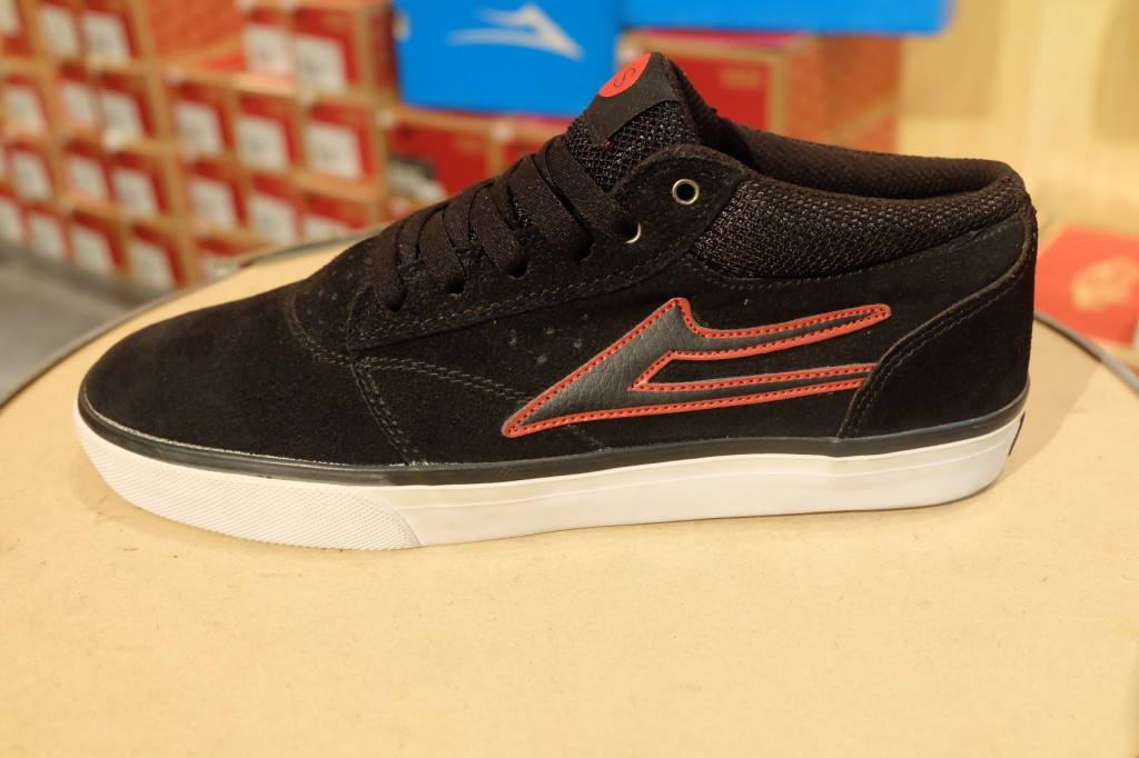 "รองเท้า Lakai ""Grffin Mid VS – Black Suede"" : Price 3,490.-"