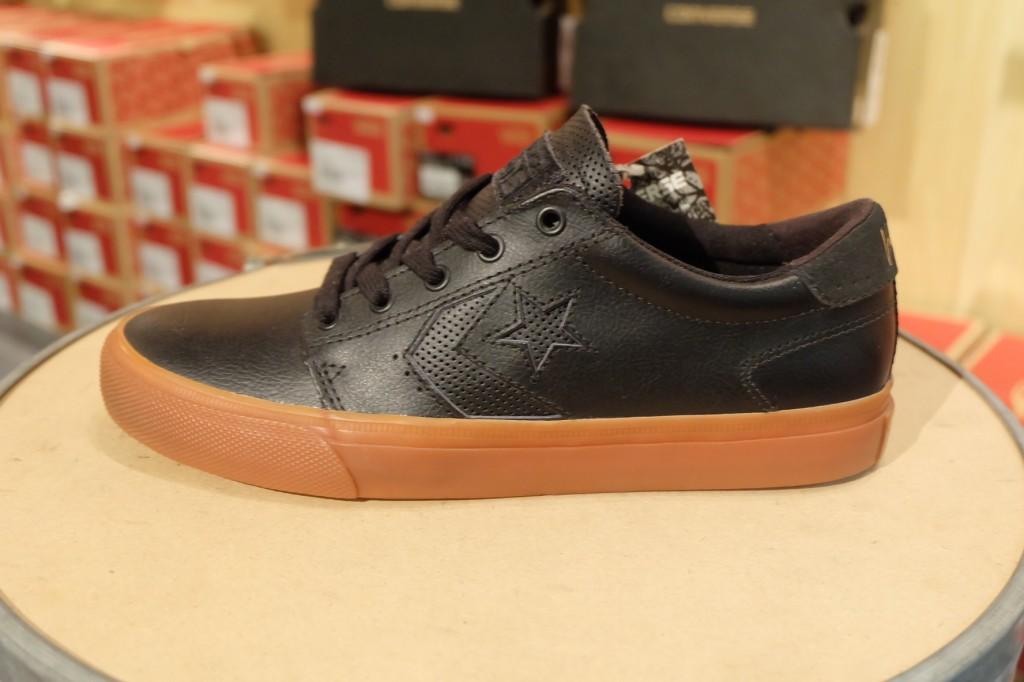 """รองเท้า Consverse """"KA 3 OX - Black/Gum (Lunarlon)"""" : Price 3,200.-"""