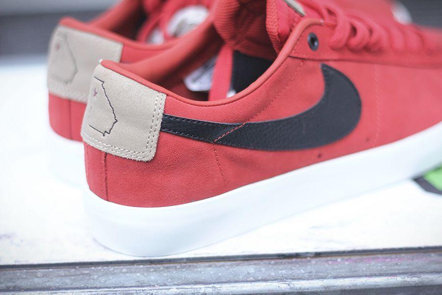 """รองเท้า Nike """"SB Blazer Low GT QS - Cinnabar/Black-Bamboo"""" : Price 3,790.-"""