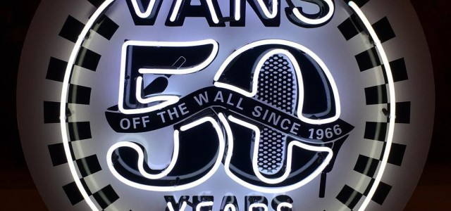 VANS | ครบรอบ 50 ปี แล้วนะคร้าบบบ! 1966 – 2016  เป็นอะไรที่ยาวนานและเป็นตำนานจริงๆครับเพื่อนๆ เรามาถึงจุดๆนี้กันแล้วครับกับปีประวัติศาสตร์ที่ VANS OFF THE WALL มีอายุครบ 50 ปี! และเนื่องในโอกาส 50th Anniversary ของ VANS ในปี้นี้ ทาง Website : www.WeSneaker.com จะขอนำเพื่อนๆย้อนรำลึกสู่ห้วงเวลาของยุค […]