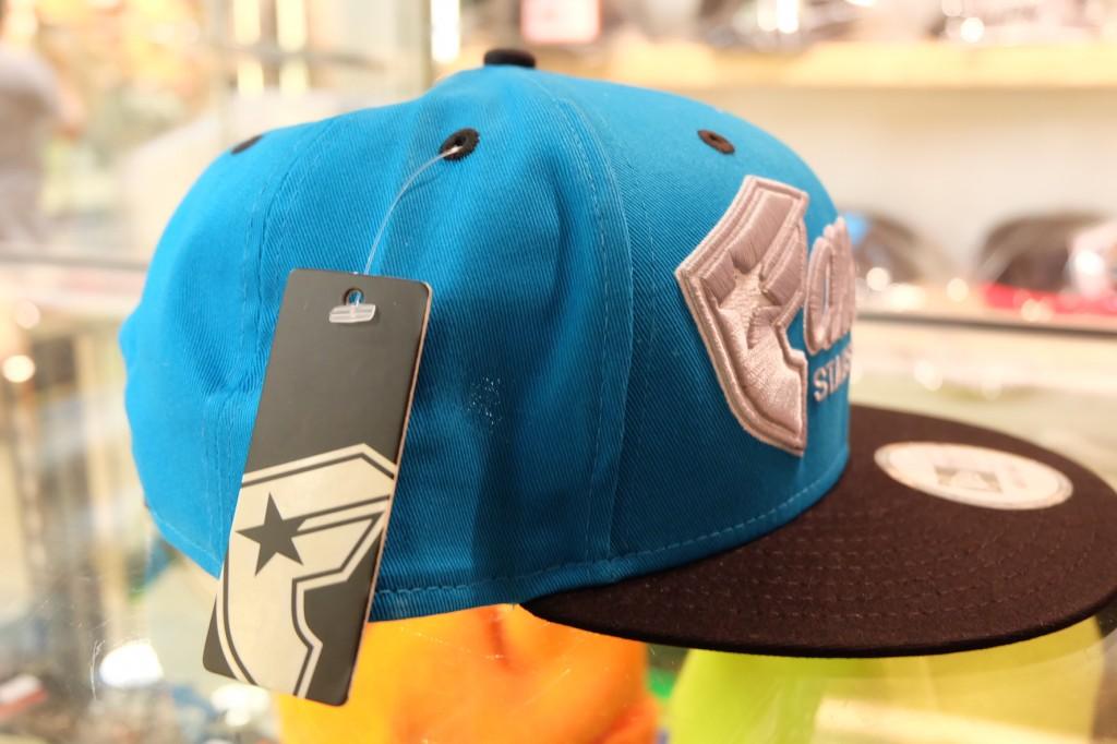 [FAMOUS] Fast Break - Turquoise Snapback : ราคา 1,695.-