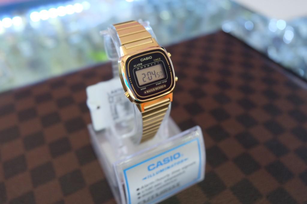 [CASIO] Standard LA670WGA-1DF - Gold/Black : ราคา 1,290
