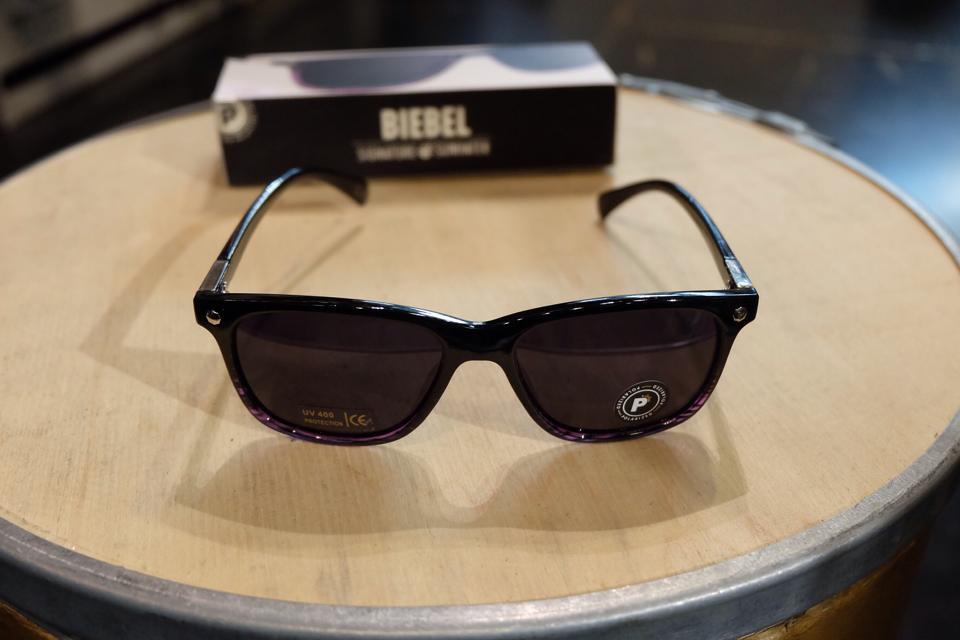 แว่นกันแดด Glassy | Glassy Biebel Signature - Black/Purple Tort Polarized : ราคา 1,390.-